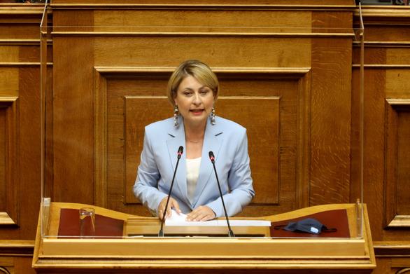 Η Χριστίνα Αλεξοπούλου για τις πυρκαγιές σε Πάτρα και Τριταία