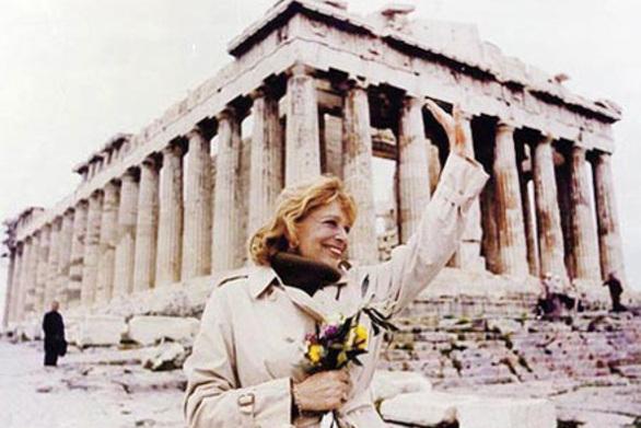 Σαν σήμερα 30 Ιουλίου η Μελίνα Μερκούρη, θέτει το θέμα της επιστροφής των Γλυπτών του Παρθενώνα στη χώρα μας