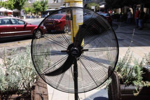 Καύσωνας: Ακόμη πιο υψηλές θερμοκρασίες έως την Πέμπτη - Πού θα «χτυπήσει» 47άρια