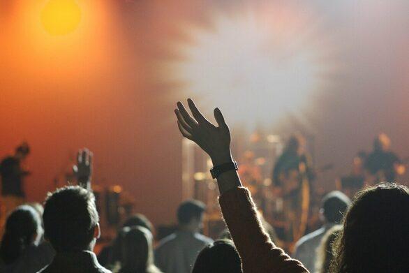 Βέλγιο: Πέρασαν επιτυχώς το... τεστ δύο φεστιβάλ με εισιτήρια «covid safe»