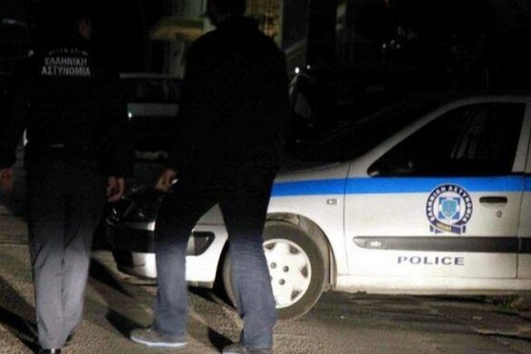 Πάτρα: Άνδρας επιτέθηκε σε 3 κοπέλες - Προσπάθησε να αρπάξει τις τσάντες τους