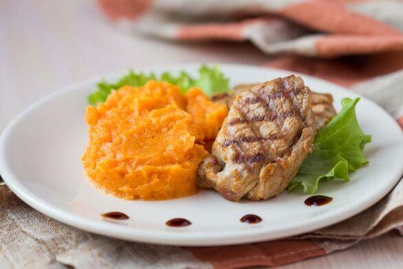 Αρωματικό χοιρινό με πουρέ γλυκοπατάτας