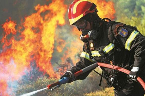 Δυτική Αχαΐα: Φωτιά στην Χαραυγή - Κινητοποίηση της πυροσβεστικής