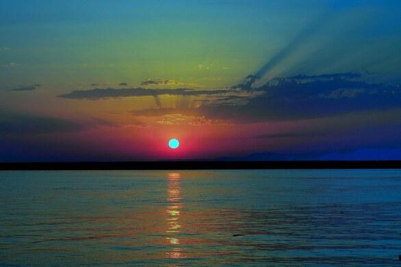 Η μαγεία του ηλιοβασιλέματος από το Μόλο της Πάτρας (video)