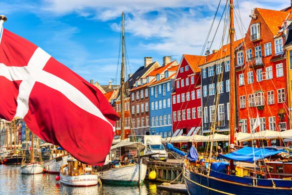 Πώς η Δανία κατάφερε να κάνει άρση όλων των περιοριστικών μέτρων για τον κορωνοϊό