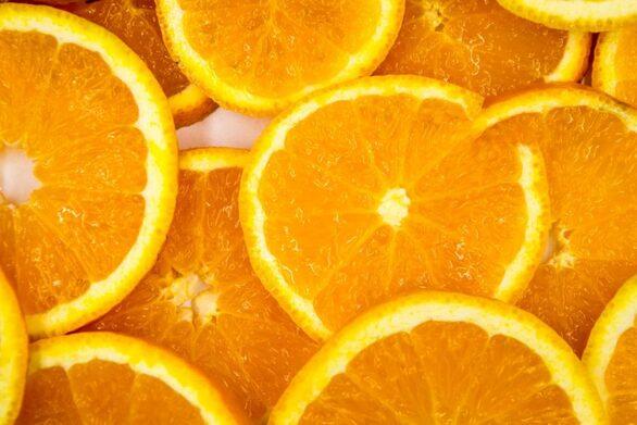 Διώξτε τις κηλίδες από το δέρμα, με πορτοκάλι