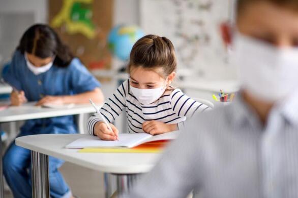 Ηλεία: Γονέας μήνυσε διευθυντή νηπιαγωγείου για την μάσκα