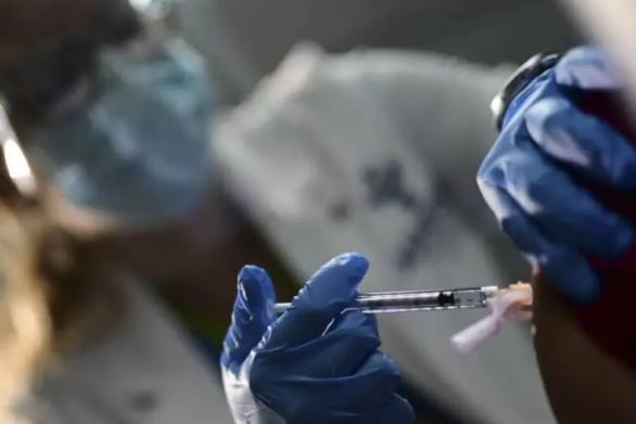 Κορωνοϊός: Τα εμβόλια Covid-19 προστατεύουν τους ασθενείς με καρκίνο - Τι έδειξαν νέες μελέτες