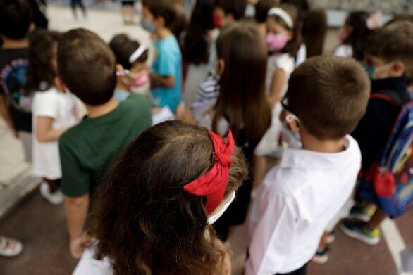 """Γώγος - Κορωνοϊός: """"Θα χρειαστούμε νέες κλίνες και στα παιδιατρικά τμήματα - Γύρω στο 25% των κρουσμάτων καθημερινά είναι παιδιά"""""""