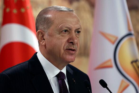 Ο Ερντογάν απέπεμψε μέλη της κεντρικής τράπεζας της Τουρκίας