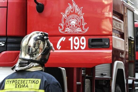Πάτρα: Ξέσπασε φωτιά σε καμινάδα