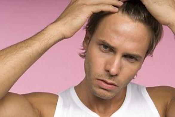 """Έρευνα: """"Η εμφύτευση μαλλιών προκαλεί ανικανότητα"""""""