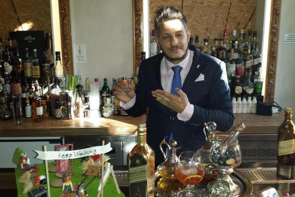 O Πατρινός bartender που με playmobil συμμετέχει στο World Class 2014!