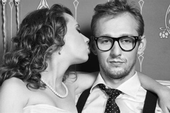 Έρευνα: Η μονογαμία αποβλακώνει τα αρσενικά