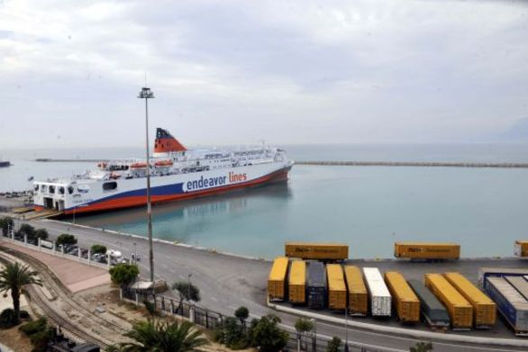 Πάτρα: Τροχαίο ατύχημα με τραυματισμό στο λιμάνι