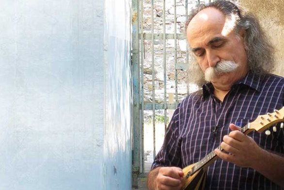 Σοκ: Τραγούδι του Αγάθωνα για τον Αλβανό που σκότωσε τον σωφρονιστικό υπάλληλο (video)