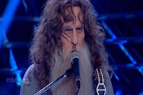 Ο Γιάννης Σαββιδάκης είναι ο μεγάλος νικητής του Your Face Sounds Familiar (vids)
