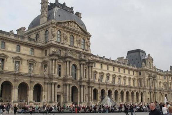 Σαν σήμερα 10 Αυγούστου άνοιξε τις πύλες του το μουσείο του Λούβρου