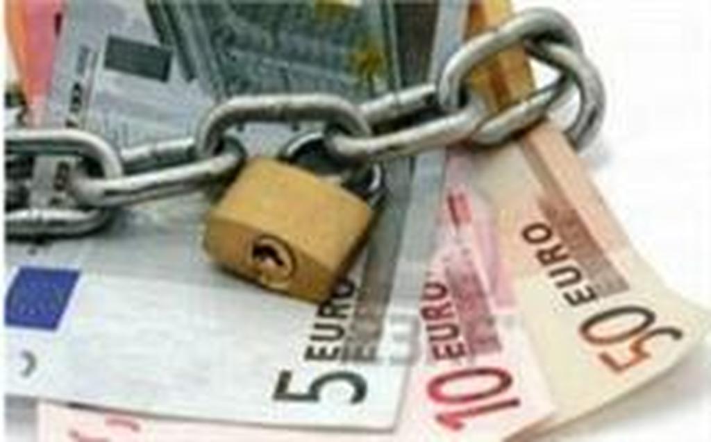 Βάλτε τα λεφτά κάτω από το στρώμα! – Κάνουν κατασχέσεις σε καταθέσεις ακόμα και για οφειλές των 5 ευρώ