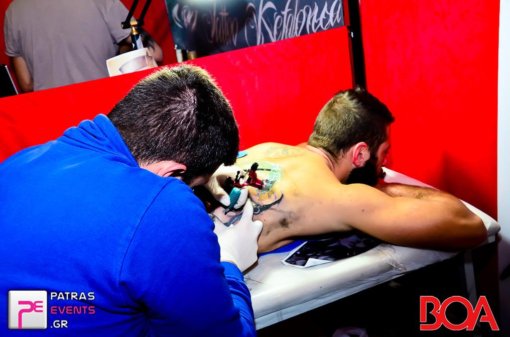 dating με τον καλλιτέχνη τατουάζ μου