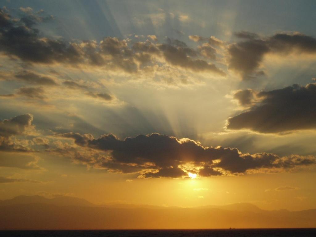 Αποτέλεσμα εικόνας για συννεφα ήλιος