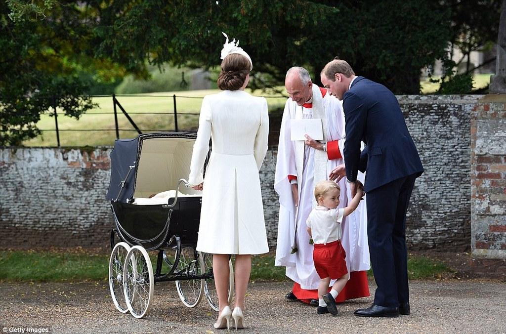 dadd2cca3ed7 Όλα όσα έγιναν στη βάπτιση της πριγκίπισσας Σάρλοτ! (pics) | Patras ...