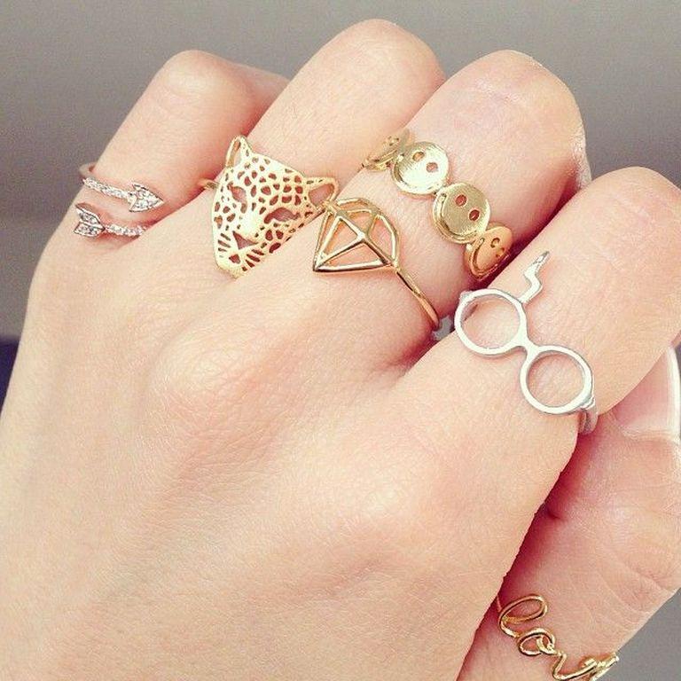 Πες μου που φοράς το δαχτυλίδι να σου πω τι χρακτήρας είσαι ... a77b3d2848c