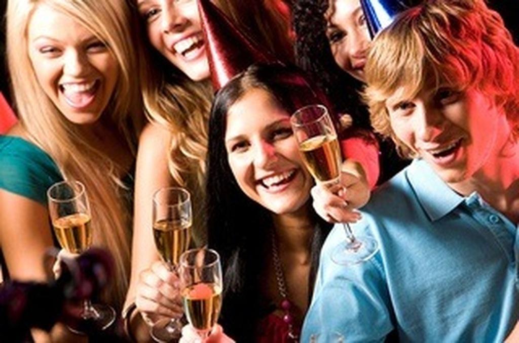 σκοτεινό πάρτι γνωριμιών καλύτερη οικεία ιστοσελίδες dating