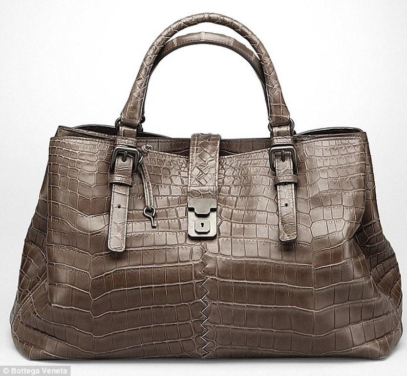 H τσάντα από δέρμα αλιγάτορα του οίκου Bottega Veneta b2b8ff9ea1b