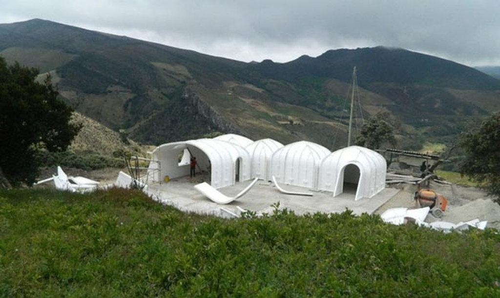 Imagini pentru case hobbit prefabbricate