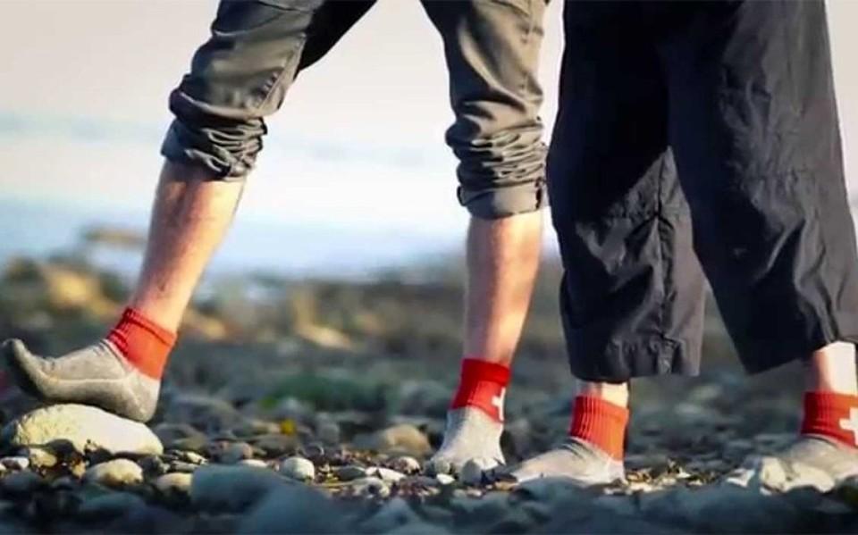 Οι κάλτσες που μπορούν να αντικαταστήσουν τα παπούτσια (video ... 024667a425f
