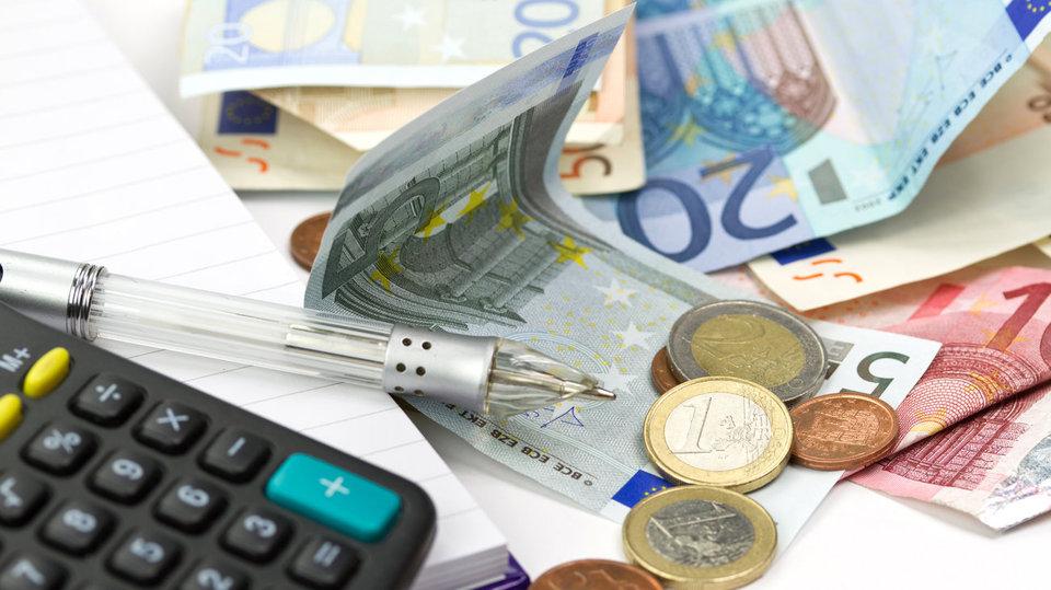 Le Figaro  Τσουνάμι φόρων έρχεται στην Ελλάδα  d0e4c5d4bdb