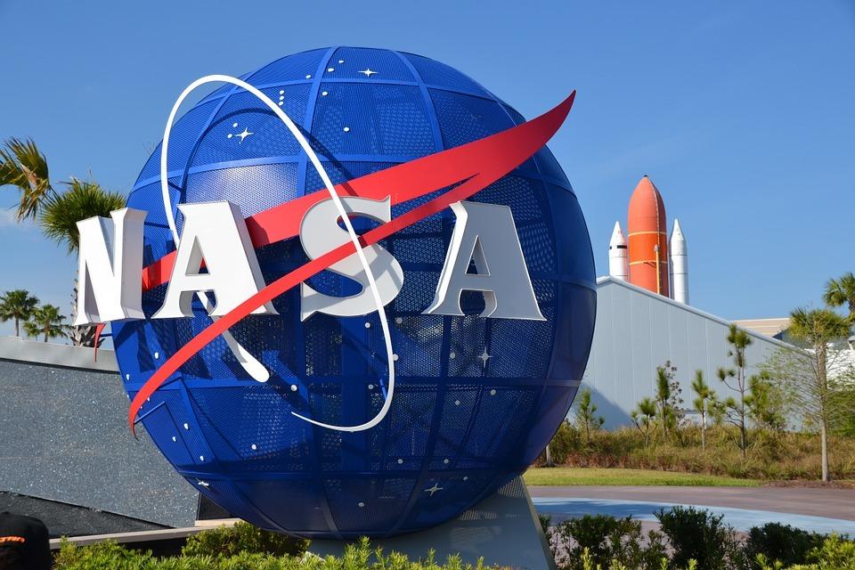 Ένας μικρός αστεροειδής με μέγεθος σπιτιού θα περάσει ξυστά από τη Γη τον  Οκτώβριο 17c4df1e050