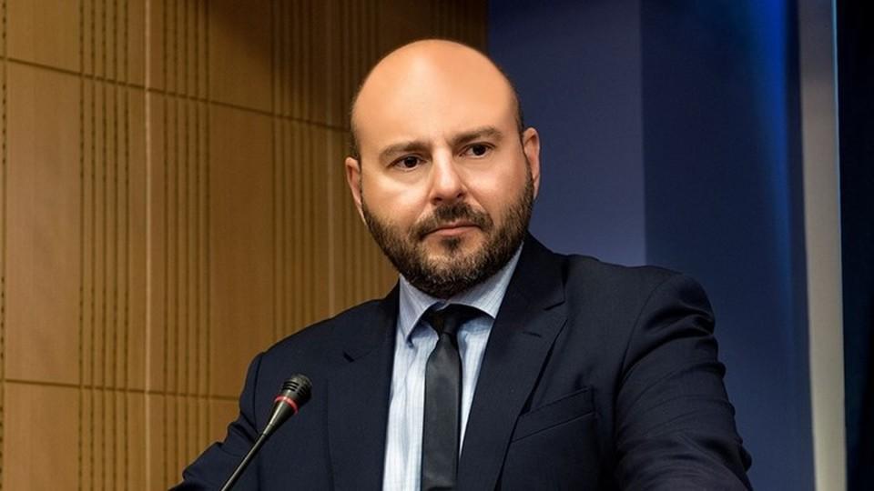 Αποτέλεσμα εικόνας για Γιώργου Σταθάκη με τον Πρόεδρο του ΤΕΕ, Γιώργο Στασινό