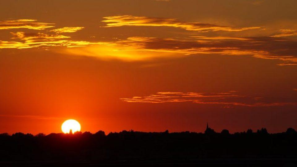 دعاء غروب الشمس الصحيح