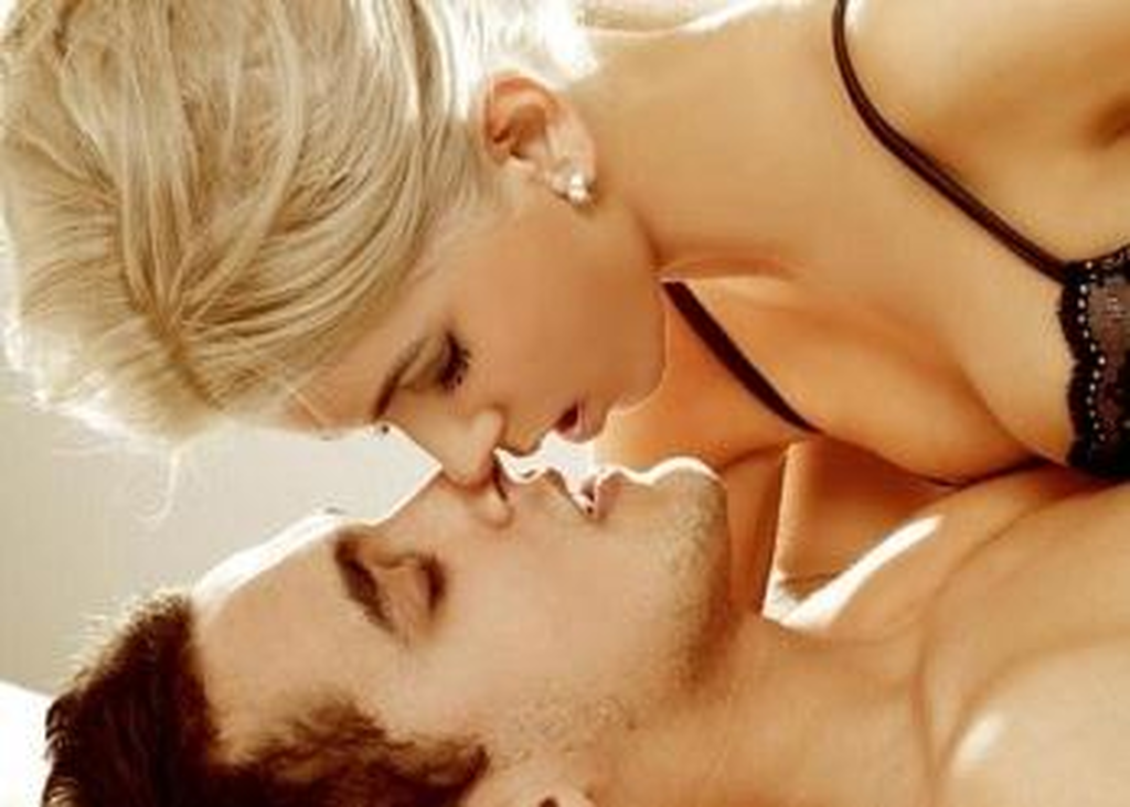 Πώς να μασάζ στήθους κατά τη διάρκεια του σεξ