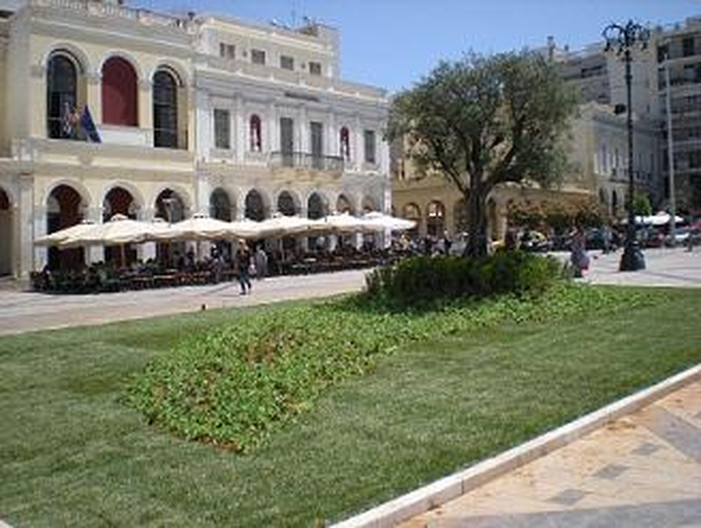 Πάτρα: Πρασίνισε η πλατεία Γεωργίου για την Πρωτομαγιά!