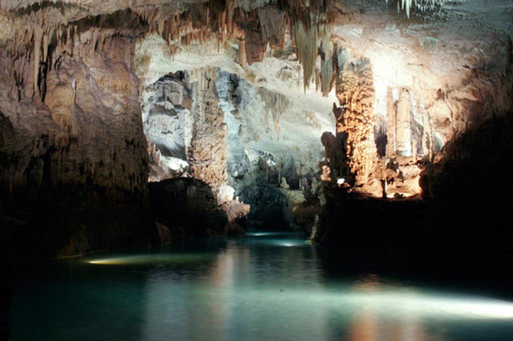 Σπήλαιο ποτάμι dating σύνδεση με λέιζερ δίοδος