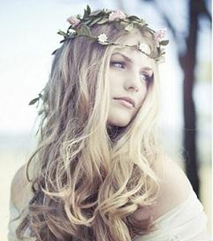 1df456c84725 Τα πιο όμορφα χτενίσματα για καλοκαιρινό γάμο! (pics)