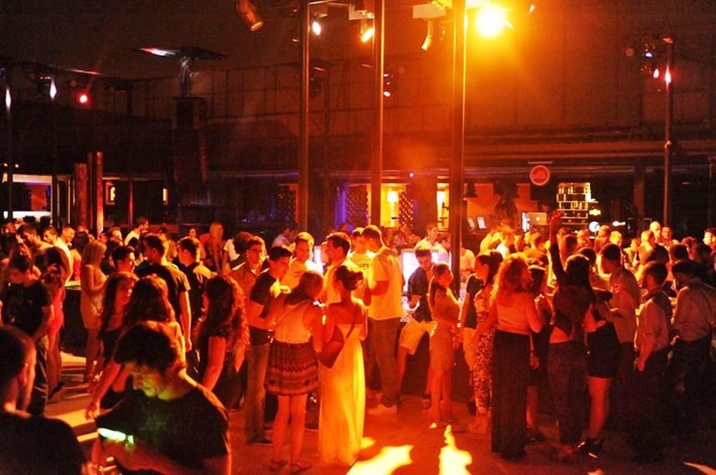 τρελό πάρτι γνωριμιών 2014 Foto είναι