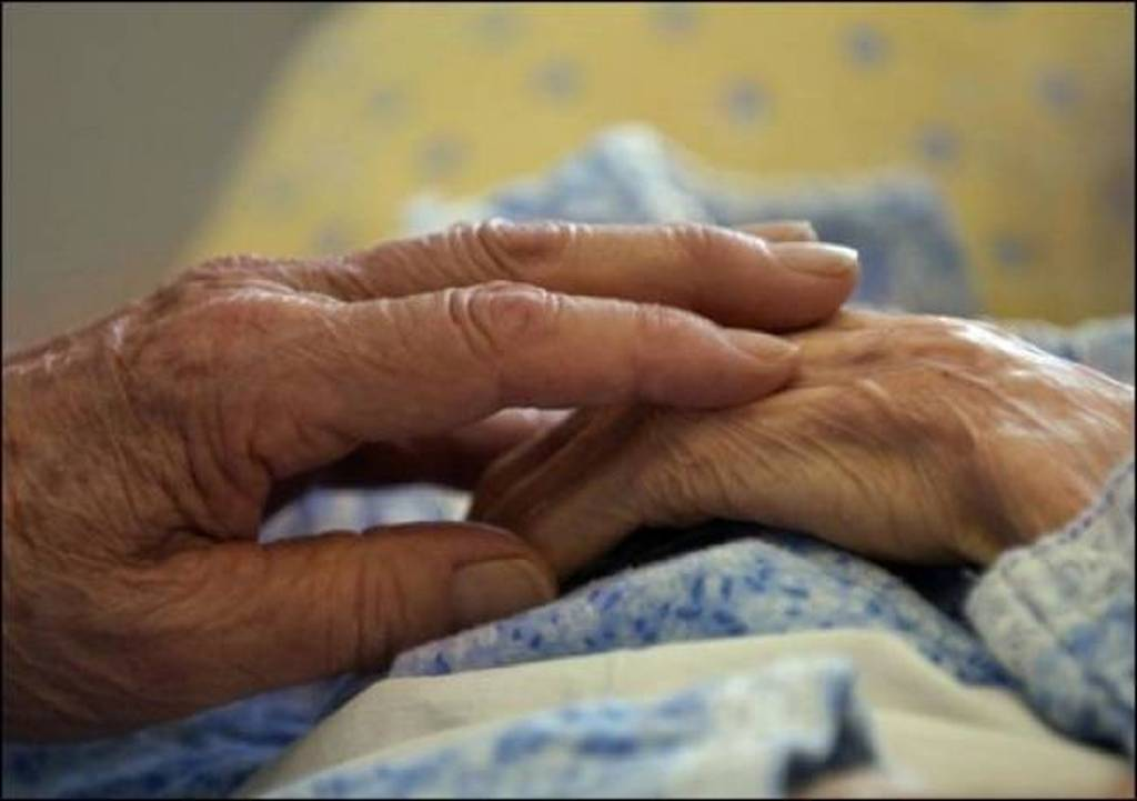 b16927244f Πάτρα  Ρομά επιτέθηκαν σε ηλικιωμένη και της άρπαξαν την αλυσίδα που φορούσε